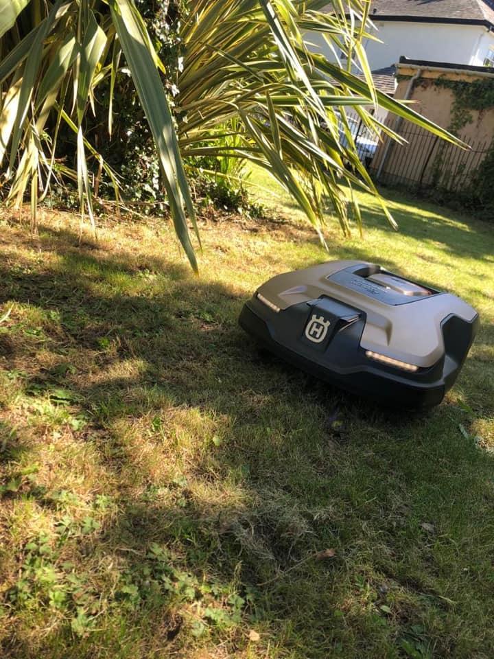 husqvarna-robot-mower-3