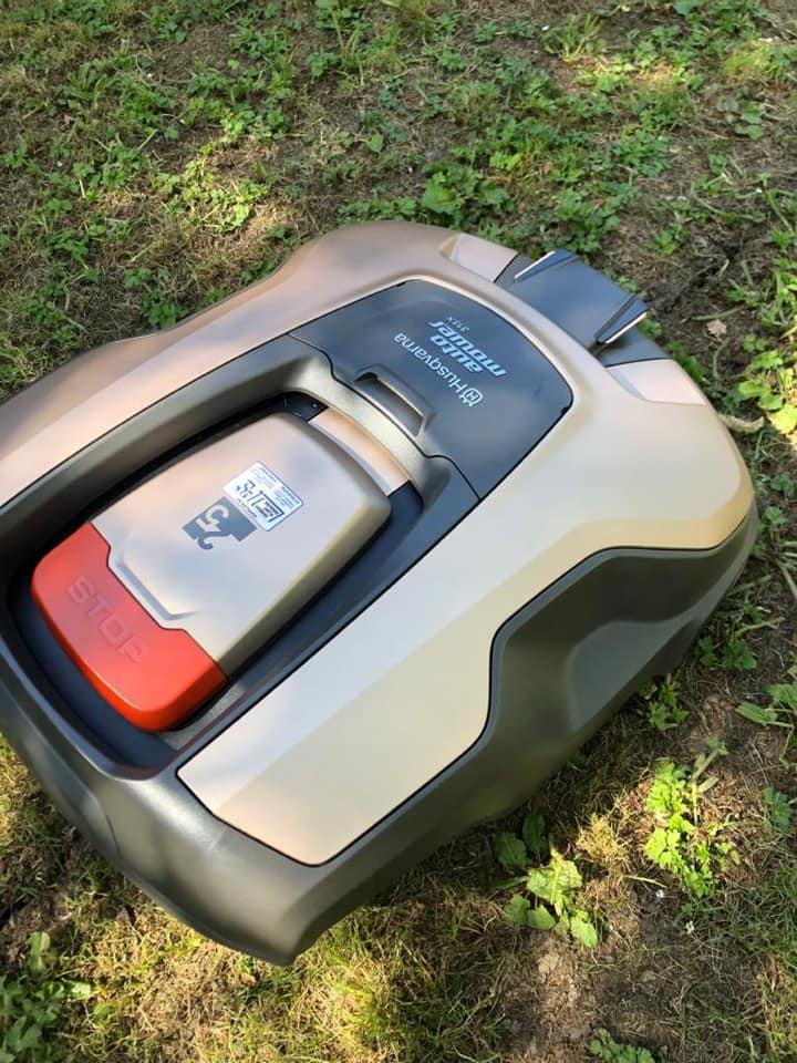 husqvarna-robot-mower-6